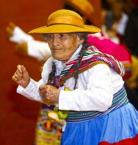 Taller de Danza Folclorica para adulto mayor.
