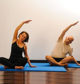 Taller de Yoga para adulto mayor.